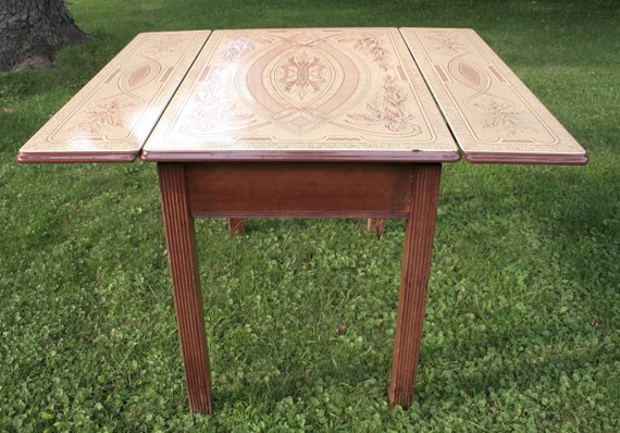 Vintage kitchen table reserved listing local pick up only for Kitchen table only