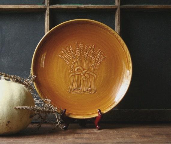 Fraciscan Wheat pattern, dark amber ceramic platter