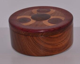Round Bubinga wood jewlery box, multiple inlays in lid