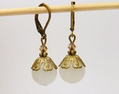 June from Rio - Earrings with white glass beads / bronze