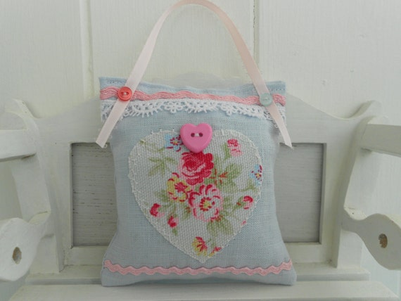 SALE  Cottage chic lavender scented pincushion