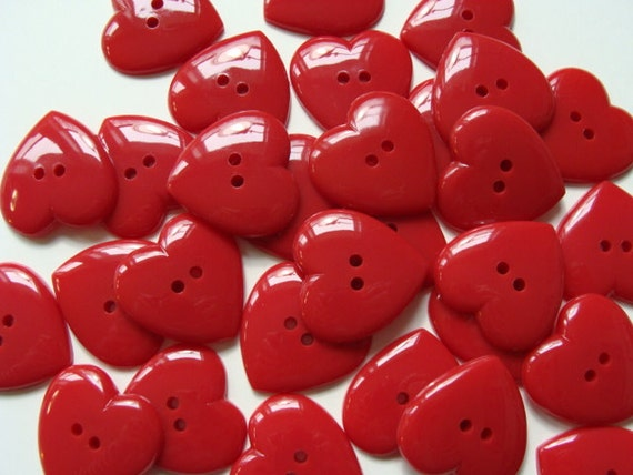 12 Heart Shaped Buttons 31mm - Red - Buttons