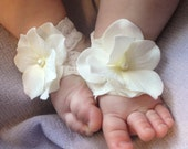 Baby Sandals, Baby Shoes, Barefoot Blossom (TM) Off-White Hydrangea