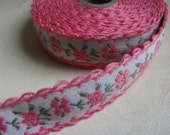 Pretty in Pink - One Yard Vintage Woven Floral Trim