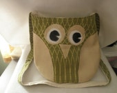 Green and Beige Owl Purse