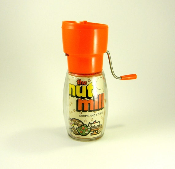 Vintage 70's Gemco-ware Nut Mill / Chopper - original graphics insert