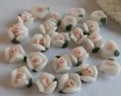 15pcs Rose Ceramic 5mm White/Pink Centre(FCN-03R)