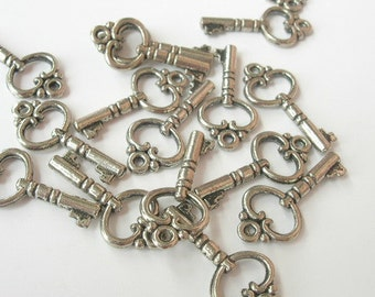 12 Pcs  Antique Silver Plated Vintage Key Charms,Nickel Free