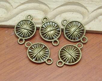 10Pcs Antiqued Vintage Bronze Round Wheels Charms / Pendant