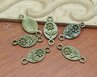 10Pcs  Antiqued Vintage Bronze  FlowerCharms / Pendant