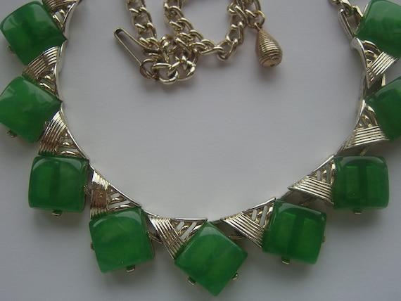 Vintage 1950s Green Lucite Necklace