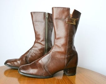 SALE Vintage Ladies Boots Brown Leather Made in London by Brevitt