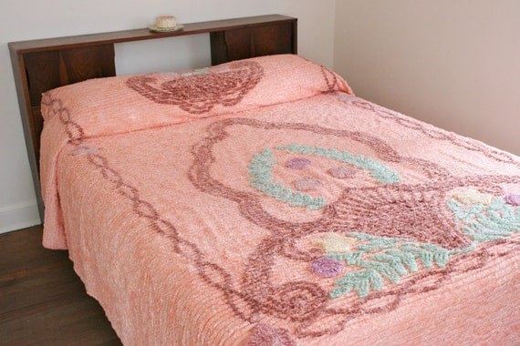 SALE Peach Beach Shell Floral Chenille Bedspread Full/Queen