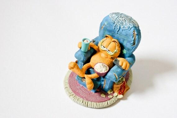 Danbury Mint Garfield Figurine SITTIN' PRETTY by Jim Davis 1992 statue