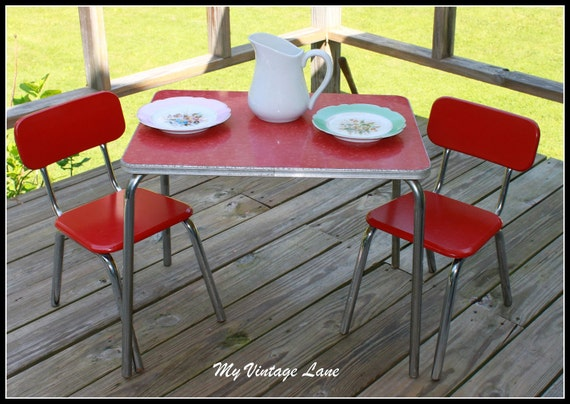 Vintage 1950 S Childrens Table And Chair Set By Myvintagelane