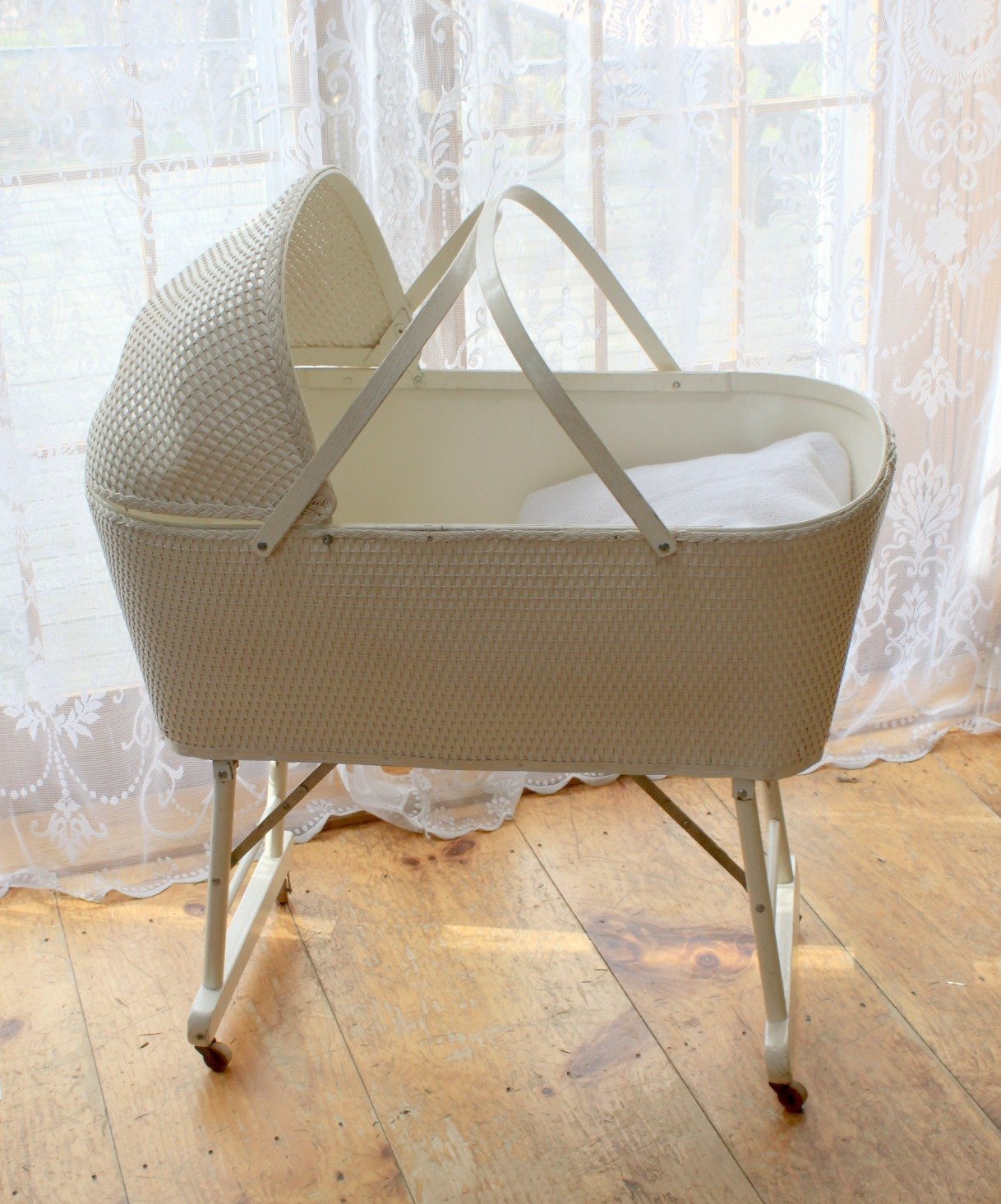 Vintage Wicker Baby Bassinet