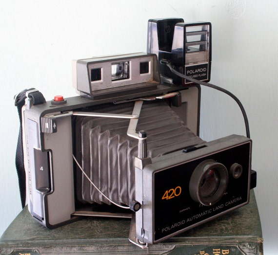 Vintage Polaroid 420 Automatic Land Camera with Focused Flash Attachment