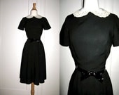 Vintage Black Linen Dress with White and Ecru Lace Removable Collar 1950s 1960s Small