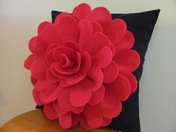 Throw Pillows With Large Flowers : Items similar to Felt Flower Pillow Pattern DAISY ROSE Felt Flower Throw Pillow Cover Pattern ...