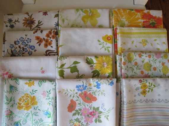 Vintage fabric bundle of 12 not-quite-perfect fat quarters - florals on a white/natural background