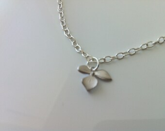 Single orchid flower necklace - Silver