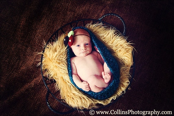 Lagoon - Newborn Baby Pod - Photo Prop