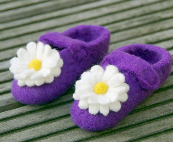 Purple felted baby slippers with felted flowers - 6 to 12 months