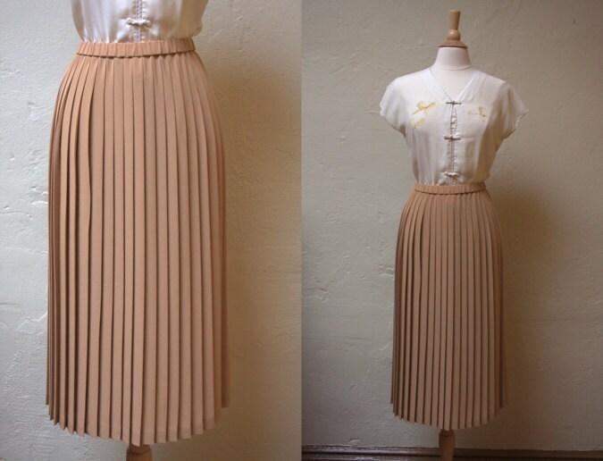 vintage beige pleated skirt