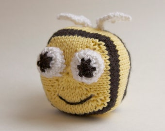 Bumble Bee Knitted Toy, stuffed animal, plush ball, handmade knitting amigurumi