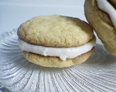 Amaretto  Sandwich Cookies (12 cookies)