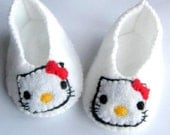 Hello Kitty baby booties - White and Pink
