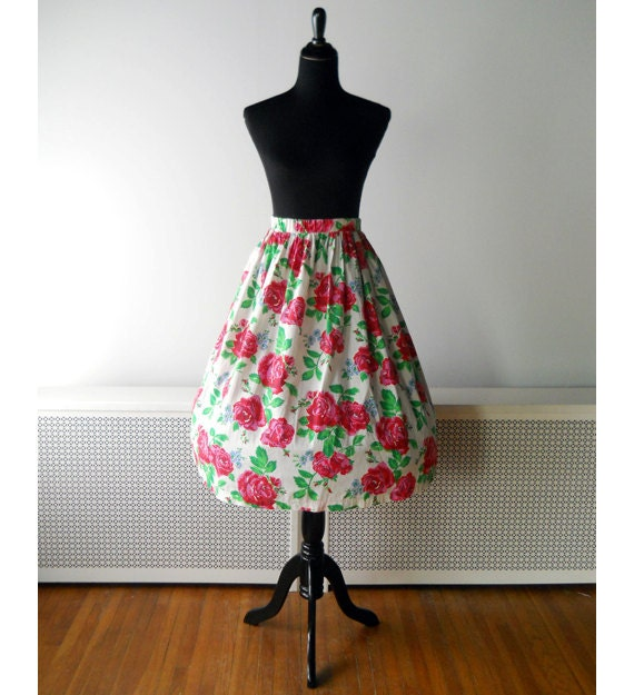1960s Skirt // Pink Roses 1960s Cotton Skirt.