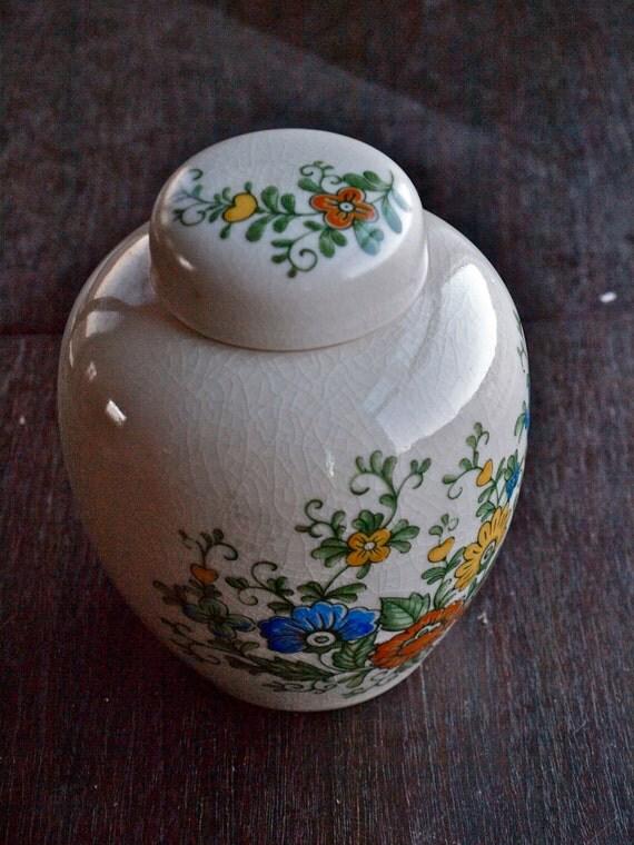 Vintage Porcelain Ginger Gar with Floral and Heart Motif