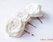 Wedding headpiece - Wedding hair rosette - Ivory bridal flower clip - Wedding hair accessories - Flower hair clip