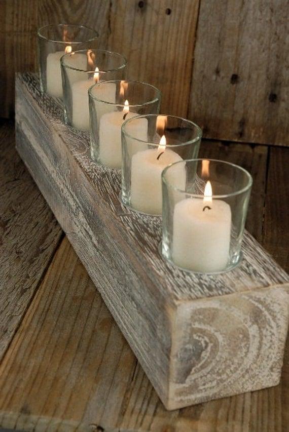 Rustic wood and candle centerpiece or decor piece - Decoracion mesa de navidad ...