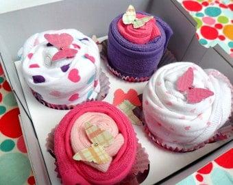 2 Bodysuit, 2 Washcloth and 2 Bib Cupcake Baby Gift Set // Shower gift, Baby Gift Set, Baby Gift, Baby Shower Decorations
