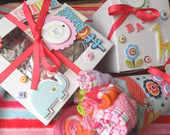 17 pcs. Bodysuits, Bibs, Booties & Washcloths Cupcake Gift Set / / / Washcloth Bouquet with Lollipop / / / Receiving Blanket Cupcake