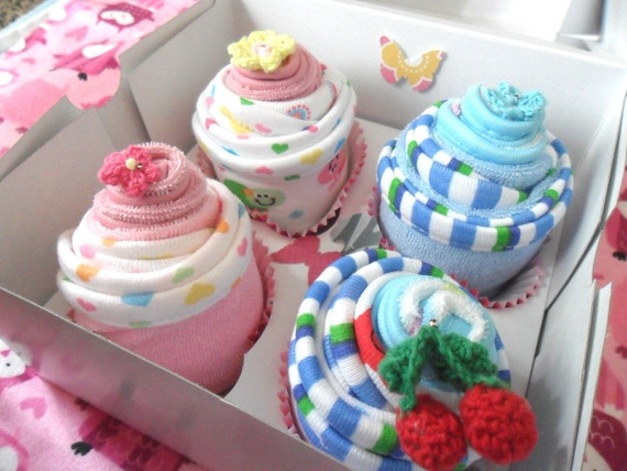 Baby Shower Cupcake Gift Ideas : 8 Washcloth Cupcake Baby Gift Set // Shower gift by ...
