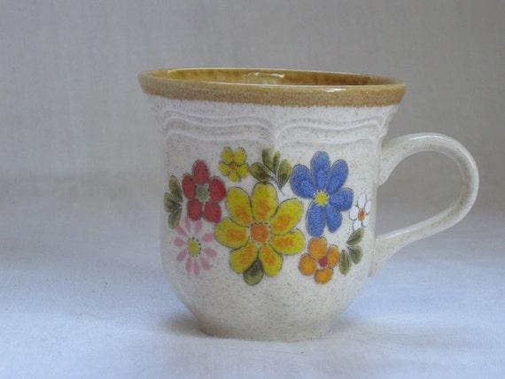 7 Mikasa Garden Club Spring Bouquet late 70s coffee mugs.  Bright happy flowers.