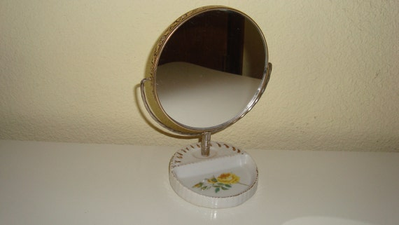 2 Sided Swivel Mirror With Yellow Roses