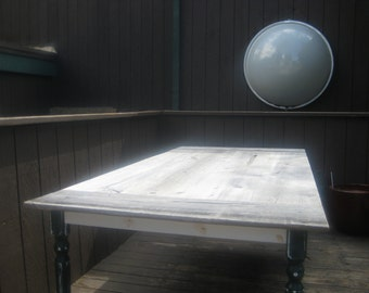 Reclaimed fencewood farmtable