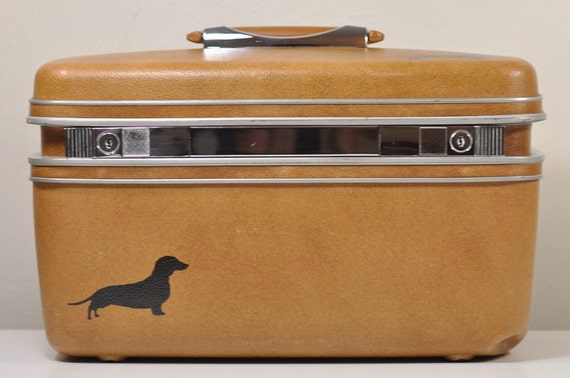 VINTAGE Camel Brown Train Case by Samsonite Cosmetic Case Pet Supply Case with Hand-Painted DachshundDoxie