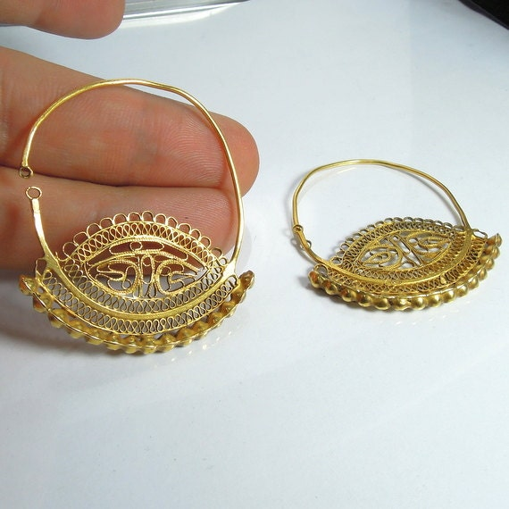Hadar Vintage 20th Century Bukharian 18K Yellow Gold Filigree Earrings (mz4)