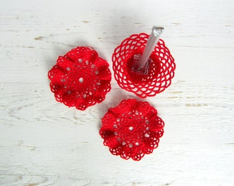 Red Waved Crochet Candlestick and 2 Coasters