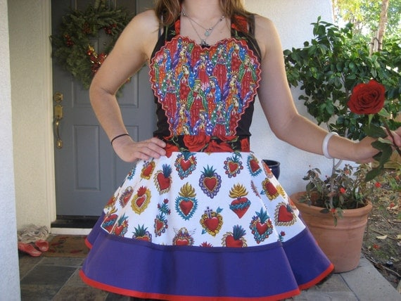 Sale.......The Enchanted Corazones Retro Apron