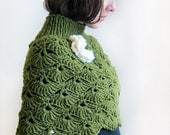 Hand crochet   Capelet  in green for a Lady.
