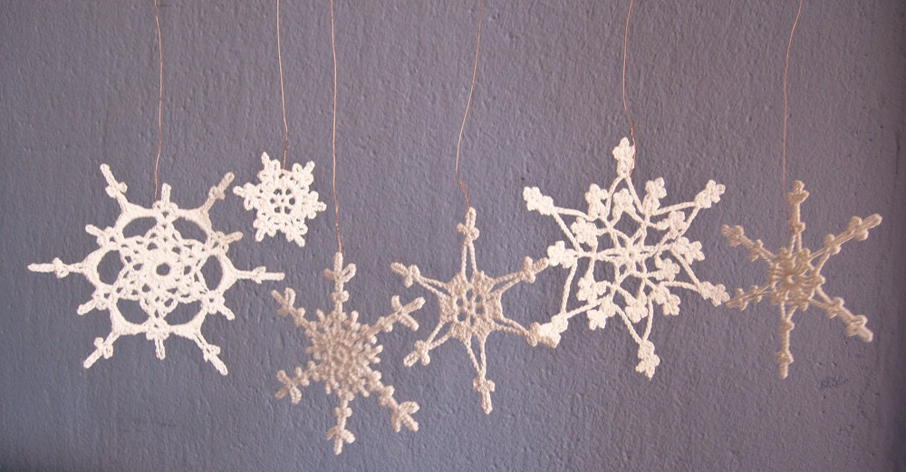 Crochet Christmas ornaments- holiday decor- Set of 6 Lacy Snowflakes