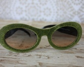 Retro Dr. Peepers Oversized Olive Green Sunglasses