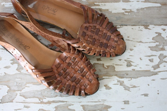 Women's Vintage 1980's Caramel Leather Huaraches Sandals Size 9.5 Made in Brazil