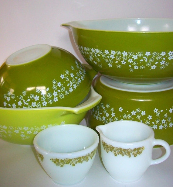 Lot of Spring Blossoms Pyrex- Mixed Lot of Pyrex- Crazy Daisy